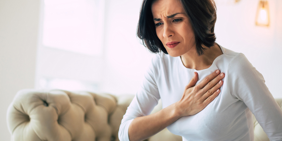 How to reduce chest pain due to acid reflux